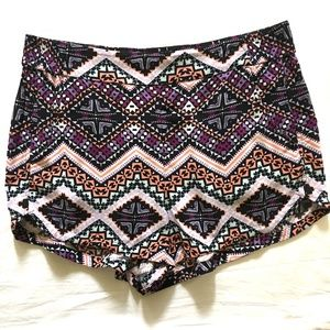 EXPRESS Geo Aztec pattern Festival Shorts SIZE M